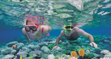 Aussies vote for the Great Barrier Reef and Uluru