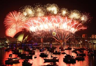 Sydney_fireworks_New_Years_Eve_2012