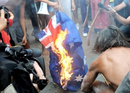 Australian_flag_burning