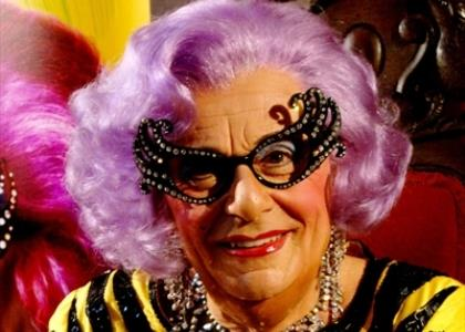 Barry_Humphries_Dame_Edna