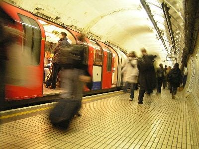 London_Underground_Tube_in_motion