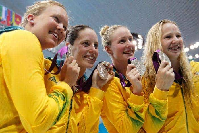 Aussie women's 4x200m freestyle relay team with silver