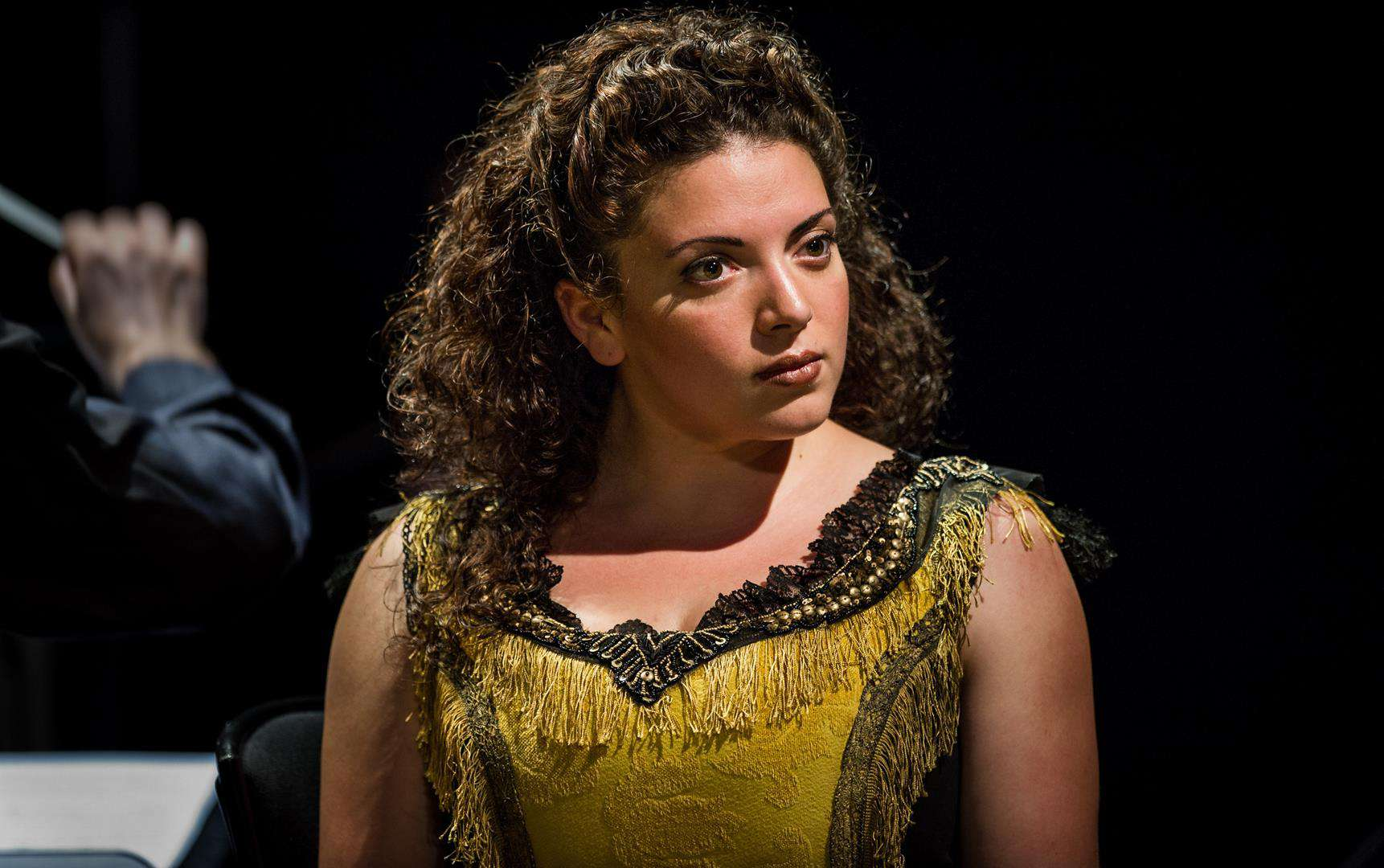 The Yellow Sofa - Julian Philips - Glyndebourne - 2012Amarela - Lauren Easton