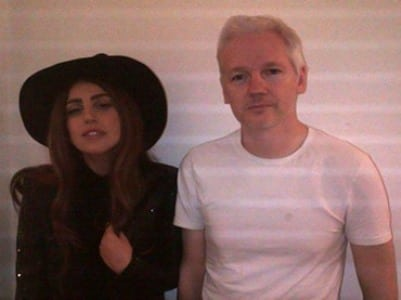 lady_gaga_julian_assange_visit