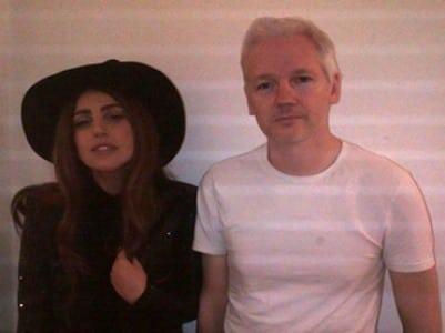 lady_gaga_julian_assange_visit