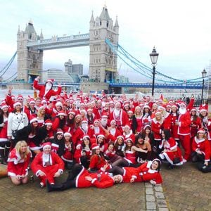 Fanatics Bring Australian Christmas Spirit To London Australian Times