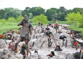 Tough-Mudder-Dallas-2012-Sun-Gudkov08971