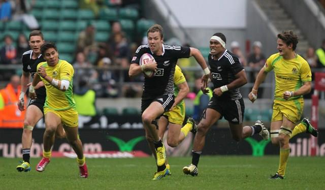 Tim Mikkelson in action during the London Sevens Cup final. Photo: IRB/Martin Seras Lima.