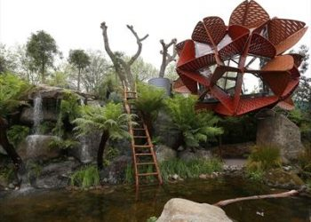 Australia's audacious garden design has won the top prize at the prestigious Chelsea Flower Show for the first time.