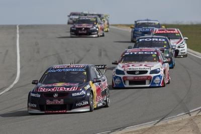 Whincup, Lowndes top V8 Supercar podiums in Perth
