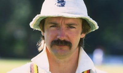 Ashes_Moustaches_Jack_Russel_cricket_England
