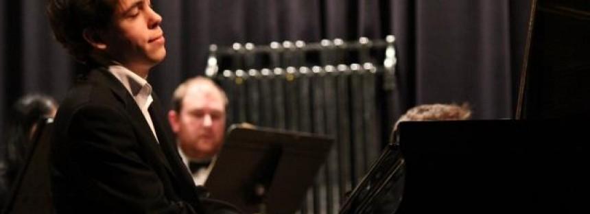 Aussie pianist a Rhapsody in Blue in Manchester performance
