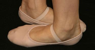Australian ballerina makes homeland debut after 14 years in the UK