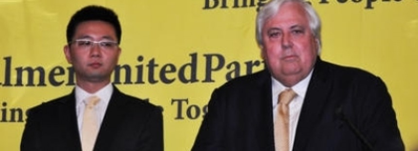 Clive Palmer kicks journo out of WA re-election launch