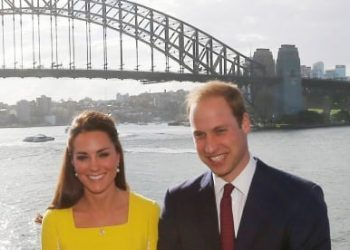Prince-William-and-Kate-Royal-tour-Australia-UK-tourists