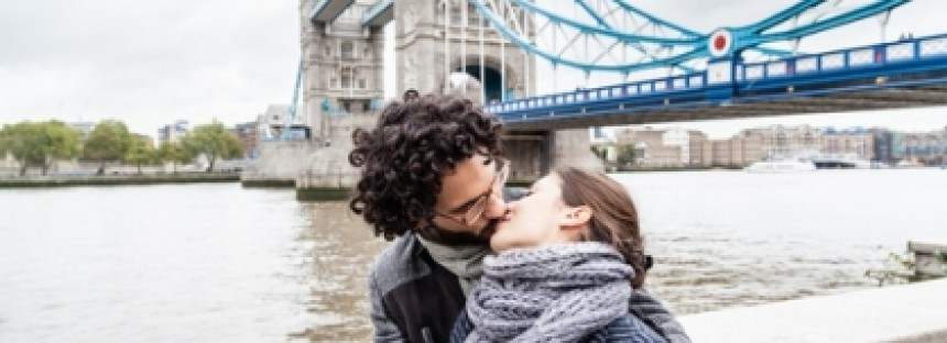 Falling in love in London could become a very big problem for an Aussie expat