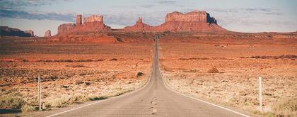 TOPDECK - monument-valley-home-to-the-navajo-indian