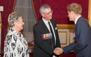 Australian Victoria Cross recipient's parents accept award from Royals