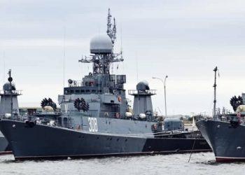 Russia Navy - shutterstock_135390944