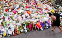 Amazing sea of flowers tribute to Sydney siege victims