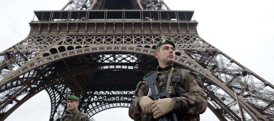 Paris terror alert - Getty - 461121102