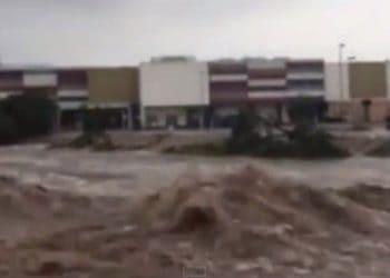 cyclone marcia - video - rockhampton - australia