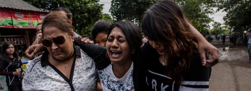 "Bali 9: ""Call off the execution"" pleads grief stricken mother in last hours"