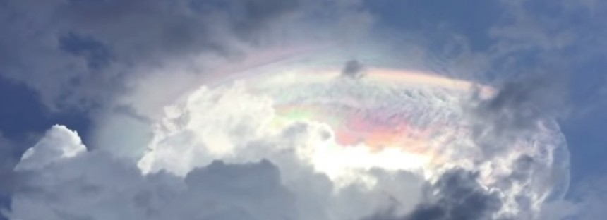 'It's like a sign from God': Incredible cloud phenomena [VIDEO]