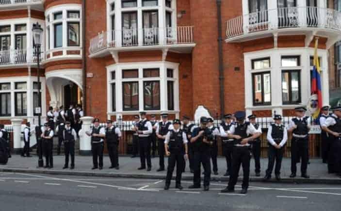 London police Ecuadore embassy guard Julian Assange - shutterstock_110655800