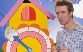 Comedy maistro Sammy J puts Aussie politicians to the sword in just a few snappy chords [WATCH]