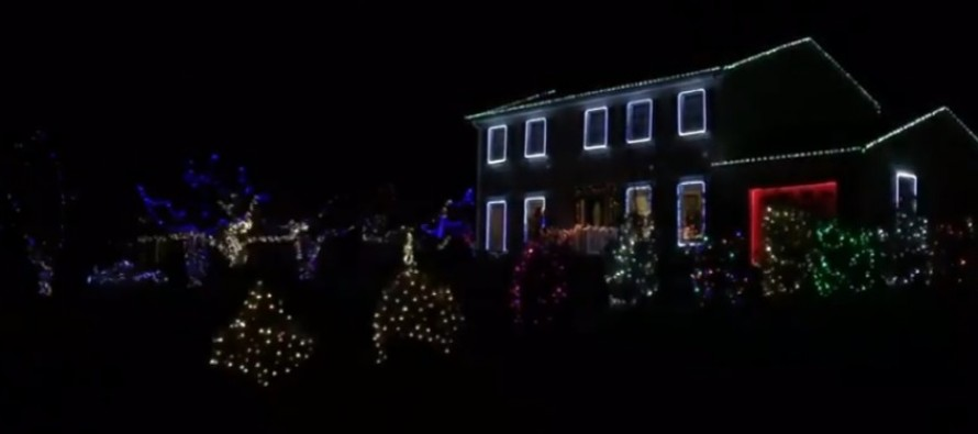 Yule totally rock out to AC/DC with these seriously OTT Christmas lights displays (WATCH)