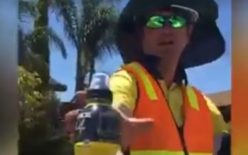 So 'Strayan: Top bloke rescues road crew in heatwave with special delivery [WATCH]