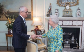 Republican Turnbull says he is 'Elizabethan' upon meeting the Queen