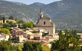 Discover Crillon Le Brave, a haven of peace and relaxation, amidst the hustle and bustle of Provence