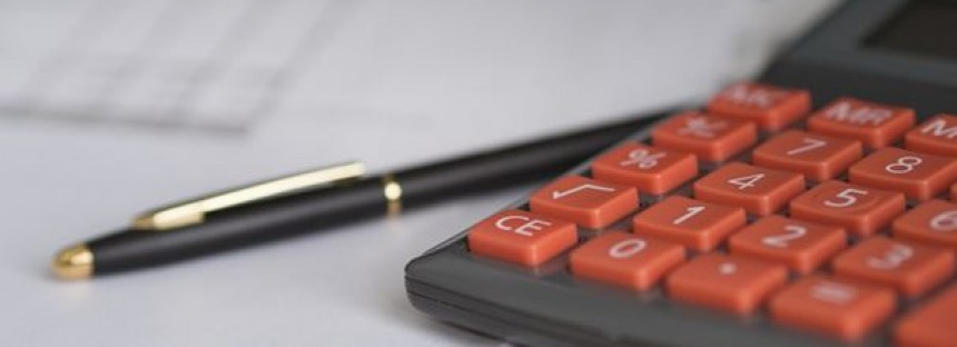 Why should you hire an outsourced bookkeeping service for your business?