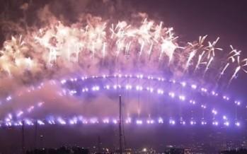 Sydney's spectacular New Year's fireworks [FULL VIDEO]