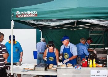 Bunnings sausage sandwich