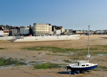 Margate beach tide out