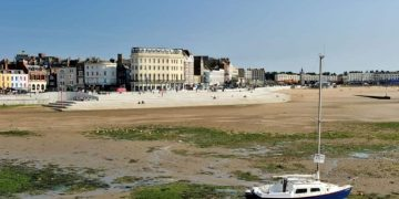 Margate beach tide out