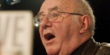 An unlikely television star, Clive James shone a light on absurdity but let us make up our own minds about it. Alan Porritt/AAP/The Conversation