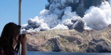 New Zealand's Mount White volcano erupting on Monday. (Michael Schade via Twitter)