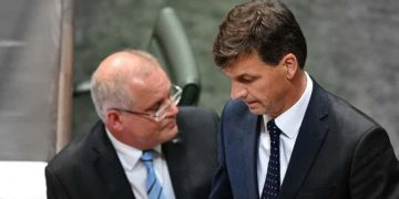 Morrison would rather live with a problem minister in a key post than give a scalp to Labor.         (Mick Tsikas/AAP)