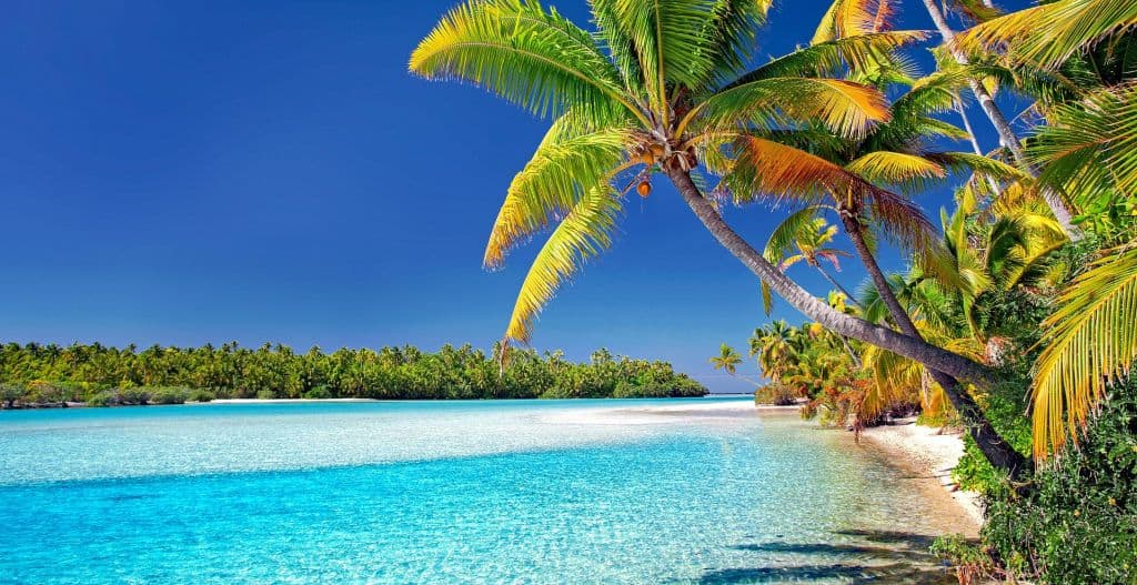 Cook Islands beach scene. Image by Julius Silver from Pixabay