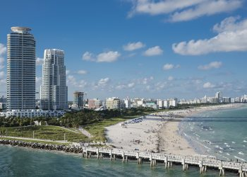 Miami Beach. Photo credit:  Image by Tammon from Pixabay
