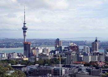 Auckland goes back into lockdown. Image by Bernd Hildebrandt from Pixabay