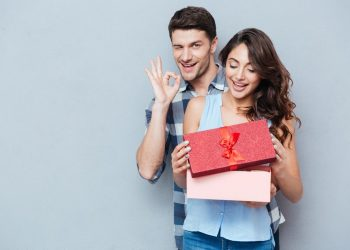 How to pick the perfect valentine gift for her