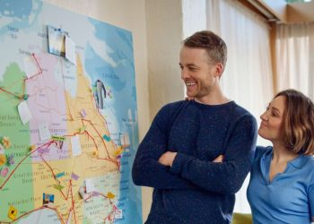 The new campaign is fronted by well-known celebrity couple Hamish Blake and Zoe Foster-Blake. Photo credit: Tourism Australia