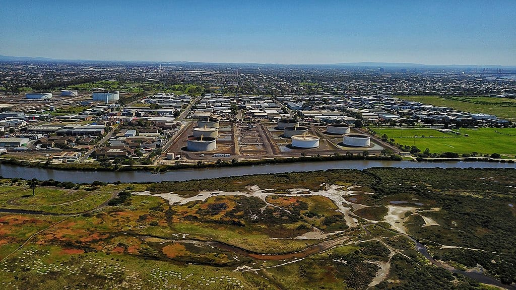 An aerial view of the Altona refinery. Photo credit: Wikimedia Commons