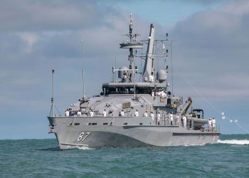 HMAS Pirie arrives in Darwin. Photo credit: RAN