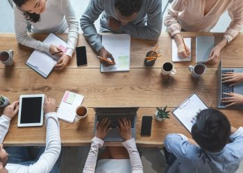 Challenges that project managers face at work and how to overcome them